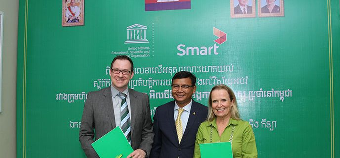 Image for Cambodia's leading mobile telecommunications provider Smart signs long-term partnership with UNESCO in the name of education and becomes UNESCO's exclusive telecom partner on quality education in Cambodia